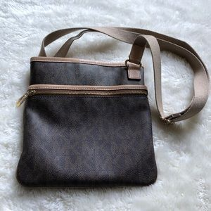 Michael Kors | Brown Jet Set Large Crossbody Bag